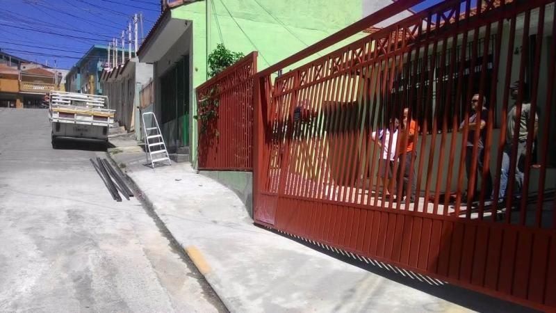 Manutenção de portão basculante