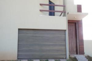 Porta de enrolar automática residencial