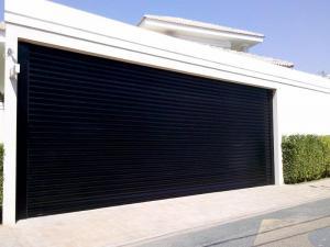 Porta de Enrolar – Lisa Fechada – Modelo – PMC01-04