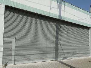 Porta de Enrolar – Lisa Fechada – Modelo – PMC01-14