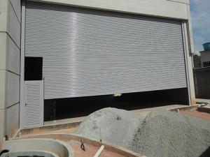 Porta de Enrolar – Lisa Fechada – Modelo – PMC01-26