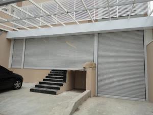 Porta de Enrolar – Lisa Fechada – Modelo – PMC01-27