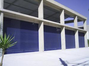 Porta de Enrolar – Transvision (perfurada) – Modelo – PTV01-22
