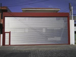 Porta de Enrolar – Transvision (perfurada) – Modelo – PTV01-27