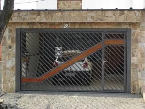 Portão Automático – Aço Tubular com Madeira – ATM – 07