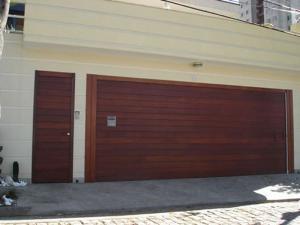 Portão Automático – Assoalho Madeira Horizontal – AMH – 01
